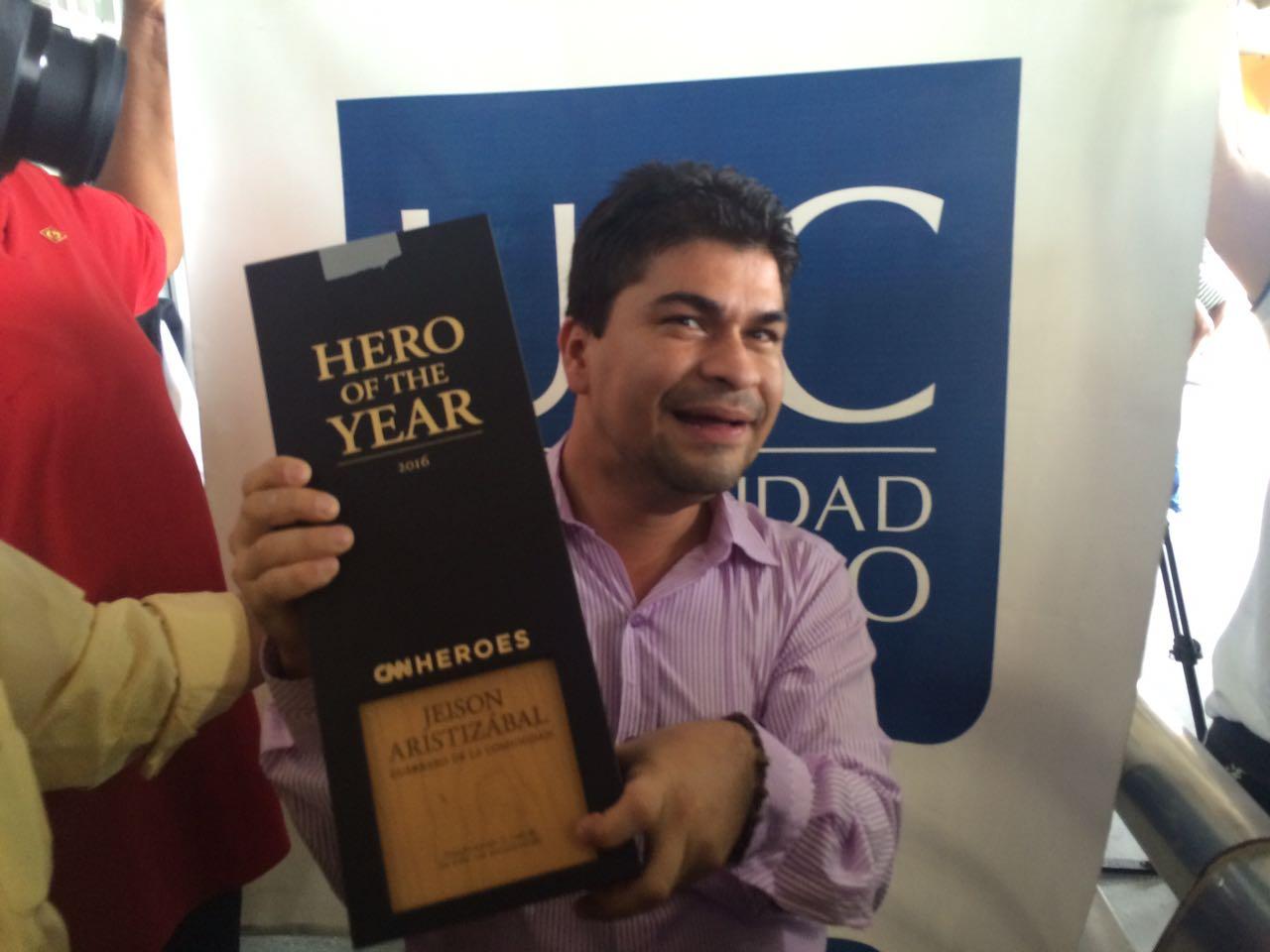 Con cánticos, Cali recibe a Jeison Aristizábal, Héroe CNN 2016