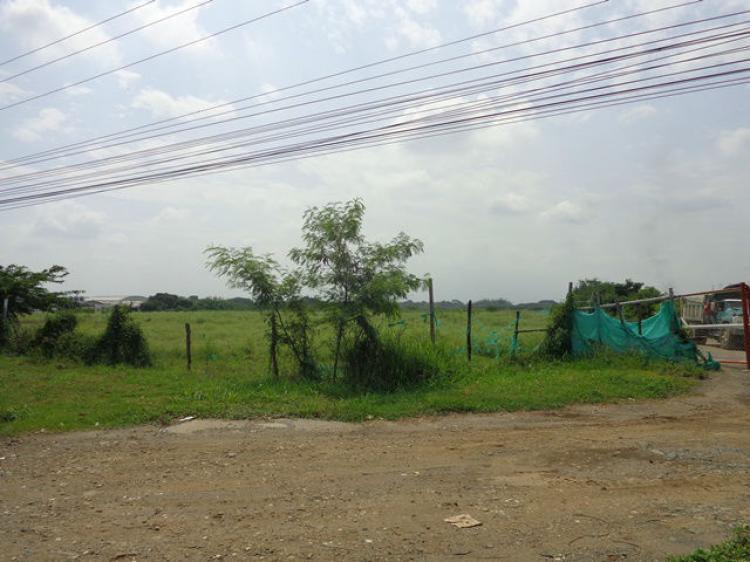 Por incumplimiento, 300 personas invadieron un lote privado en Yumbo