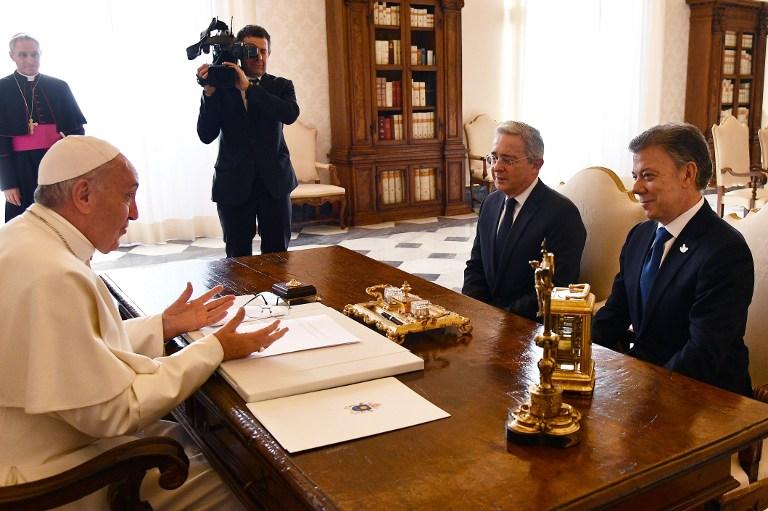 Santos y Uribe, reunidos con el papa Francisco en el Vaticano