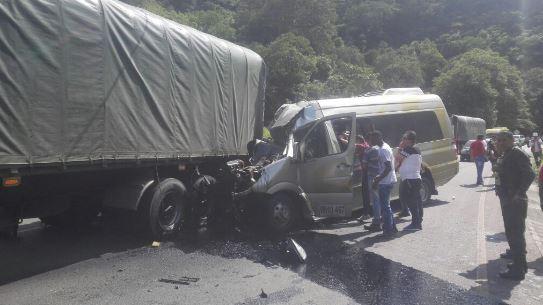 Una persona muerta dejó accidente de tránsito en vía al mar