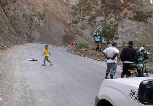 Riesgo de deslizamiento en vía Buga-Loboguerreo por suspensión de obras