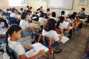 Docentes denuncian estafas por supuestas vacantes en Instituciones Educativas