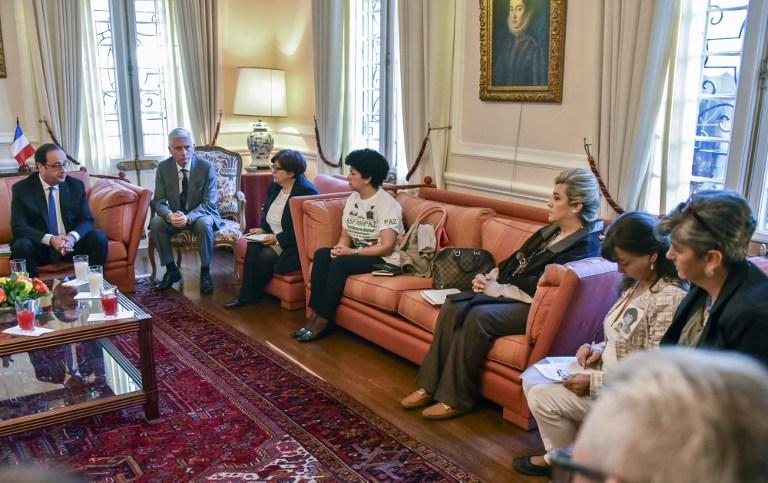 Hollande se reúne en Colombia con víctimas del conflicto armado