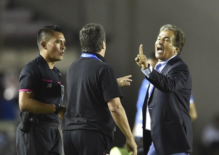 "Jorge Luis Pinto se disculpa tras pleito con ""Bolillo"" Gómez"