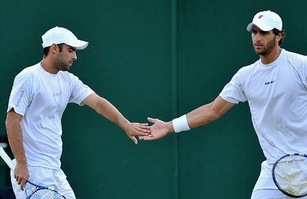 Juan Sebastián Cabal y Roberth Farah avanzaron a cuartos de final en Sídney