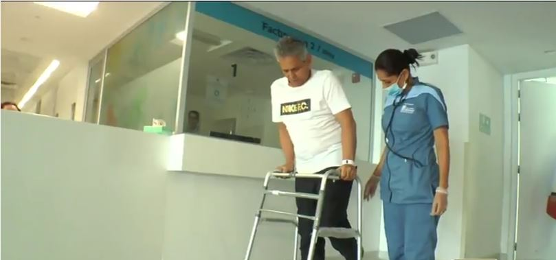 Reinaldo Rueda se recupera en Cali tras cirugía de reemplazo de cadera