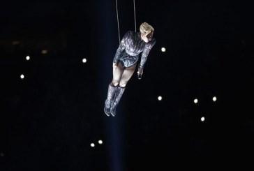 Así fue el espectáculo de Lady Gaga durante el Super Bowl