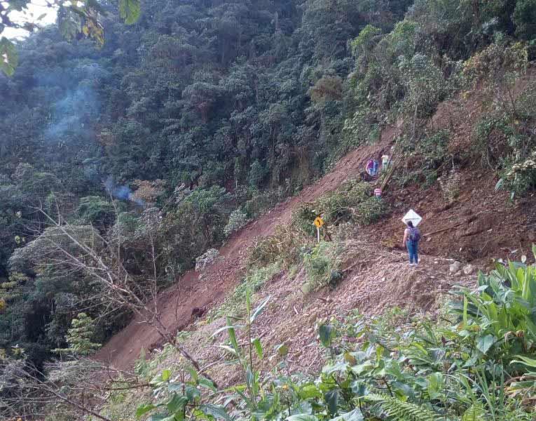 Derrumbe afecta a más de 8.000 campesinos de Valle y Chocó