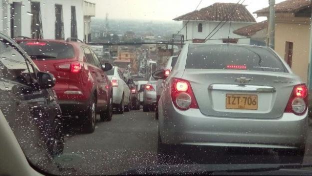 represamientos-por-cierre-del-tunel-avenida-colombia-20-02-2017