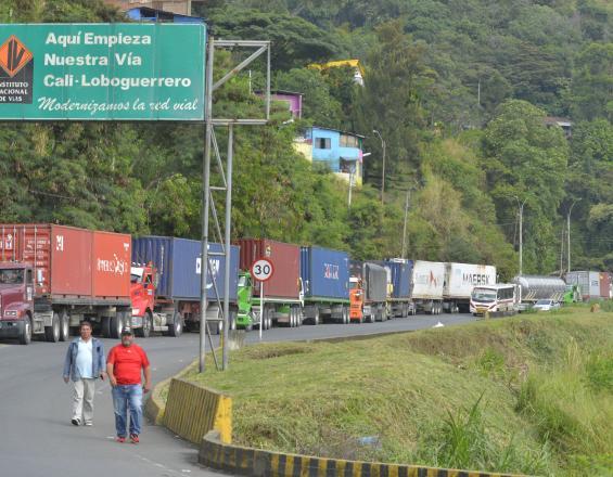 Se abrió paso restringido en la vía hacia Buenaventura