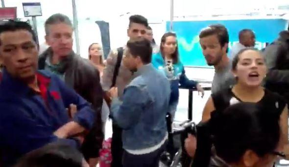 120 pasajeros resultaron afectados por retraso en vuelo de Viva Colombia