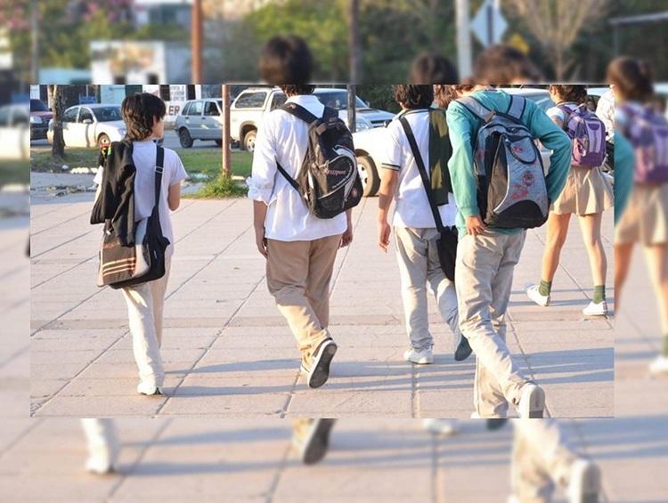 Por daños en la infraestructura, estudiantes tienen pico y placa para asistir al colegio