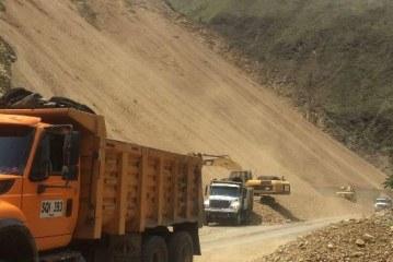 Habilitan paso en vía Buga-Buenaventura tras derrumbe en La Balastrera