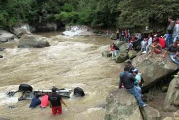 Tres muertos dejó accidente de vehículo en el Río Mayo, Nariño