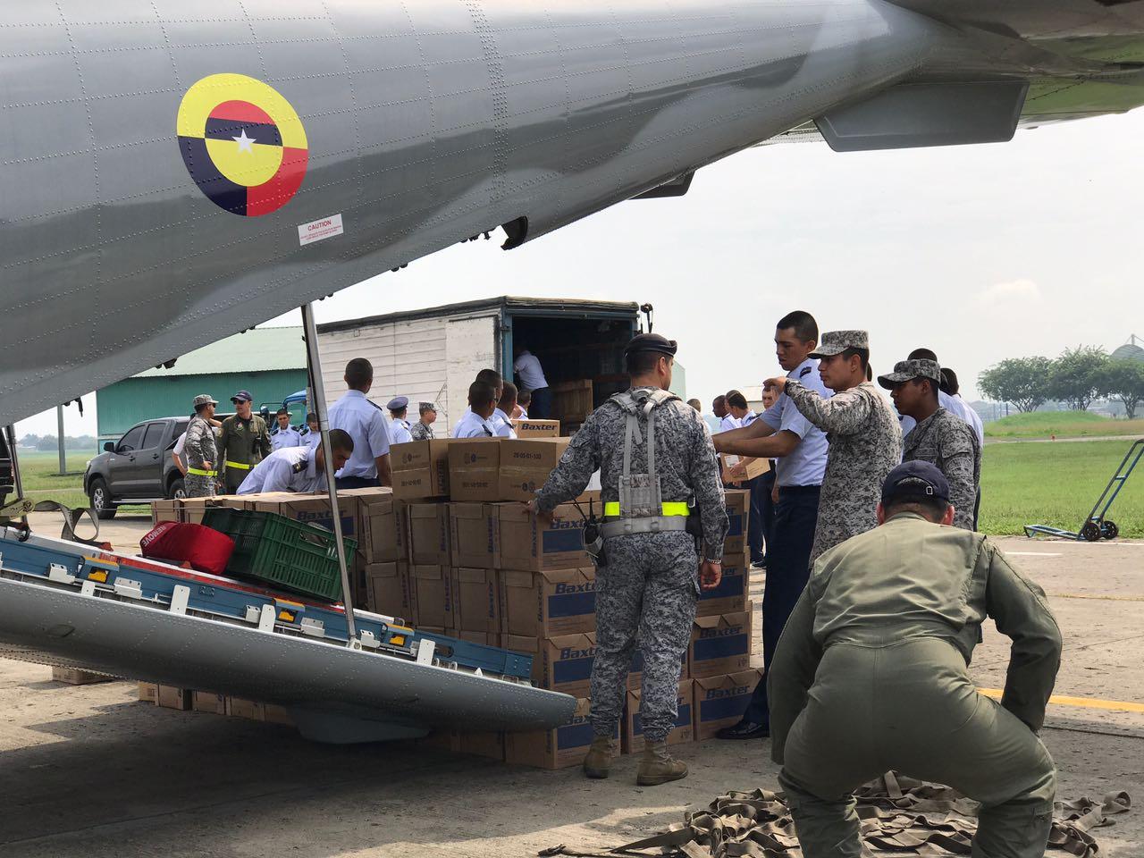 Avión de la FAC partió de Cali con medicamentos hacia Mocoa