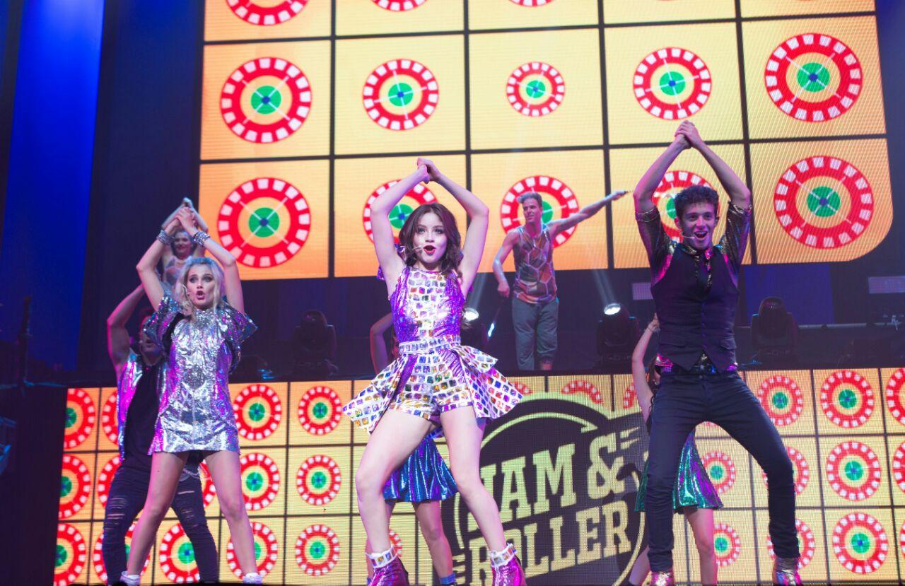 El fenómeno juvenil Soy Luna ofreció su concierto en la Plaza de Toros de Cali
