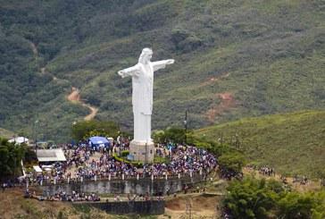 Una 'gota de esperanza' llega a los cerros de Cristo Rey