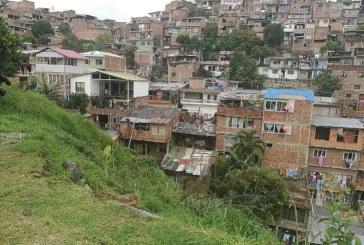 Familias en riesgo en Alto Aguacatal se niegan a irse