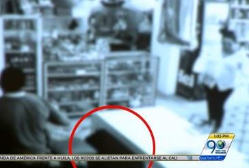 Mire lo que le pasó a este hombre cuando publicó video de un robo del que fue víctima