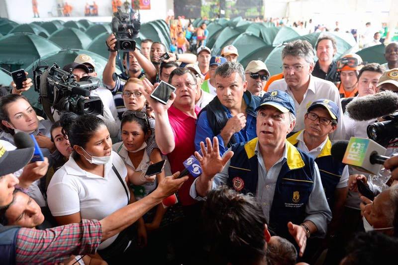 Presidente Santos descarta reubicación de Mocoa tras avalancha