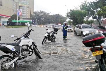 Aguacero de este viernes provocó fuertes inundaciones en el sur Cali