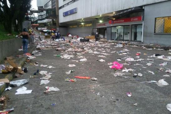 En imágenes: así quedó Buenaventura tras la violenta jornada de las últimas horas