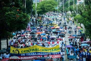Docentes de Cali marcharon en medio de jornada de movilización nacional