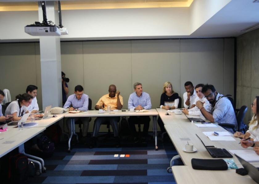Gobernadora propone que empresas paguen impuestos con obras en Buenaventura