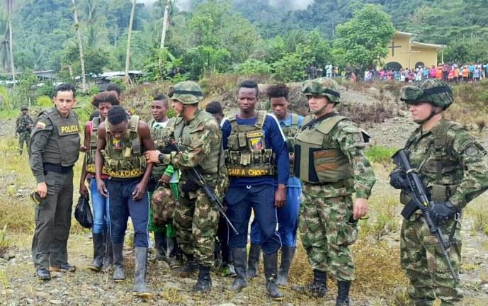 Liberan a las ocho personas secuestradas presuntamente por el ELN en Chocó