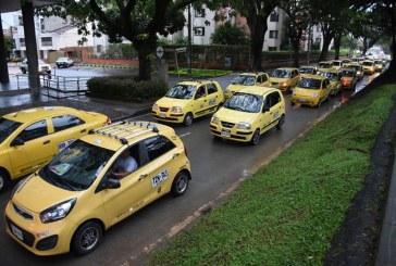 Taxistas protestaron contra legalización de apps de servicio particular