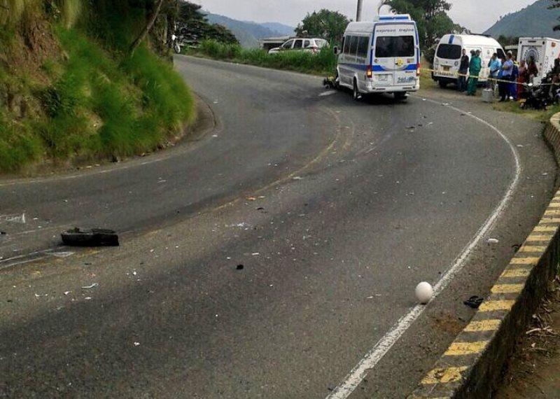 Muere una mujer en accidente de tránsito en el km. 12 de la vía al mar