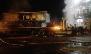 Vehículo incinerado en el Sector La Virgen de Buenaventura