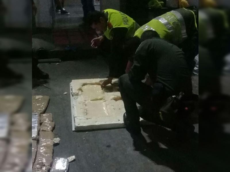 Incautan en terminal de Cali 49 kilos de marihuana escondidos en láminas de zinc