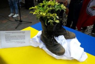 Caleños festejaron la dejación de armas de las Farc en la Plaza de Cayzedo