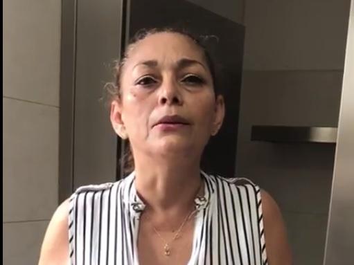 Madre de presentadora y modelo detenida clama por la  inocencia de su hija