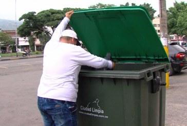 Contenedores, educación y reciclaje: la modernización del aseo en Cali