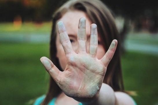 """""""No permita que la timidez destruya su vida"""": condición mental que se puede tratar"""