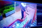 Video: con machetes y armas 'hechizas' asaltaron negocio en Las Vegas de Comfandi