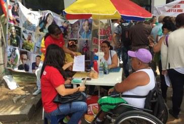 A pesar de promesa de Medimás, pacientes del plantón en Cafesalud no tienen medicamentos