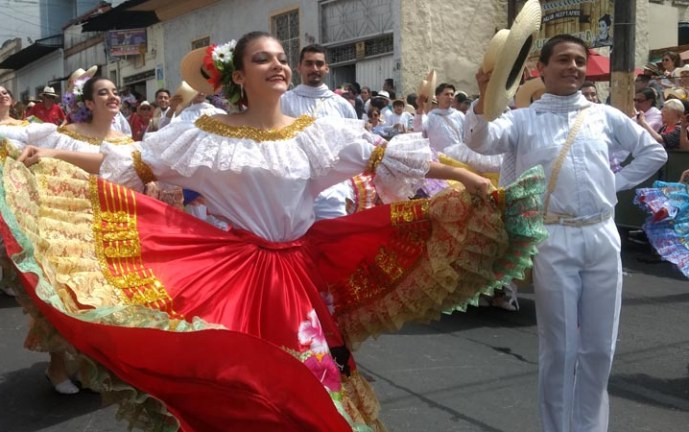 En imágenes: Gran Desfile Nacional e Internacional del Folclor en Ibagué