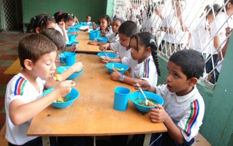 Más de 121 mil estudiantes del Valle se beneficiarán con programa 'PAE' en 2019