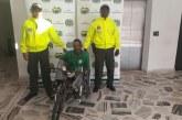 Hombre en silla de ruedas es señalado de abusar sexualmente de sus dos hijas
