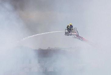 En imágenes: así combatieron el incendio en Acopi los Bomberos de Cali y Yumbo