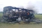Indígenas habrían incinerado dos buses y cien hectáreas de caña en Caloto