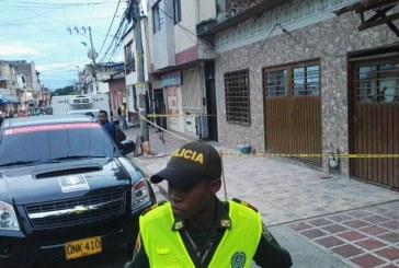 Hombre asesinó a su esposa y sus dos hijos en el barrio Alameda