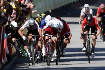 Peter Sagan fue expulsado del Tour de Francia por codazo a Cavendish