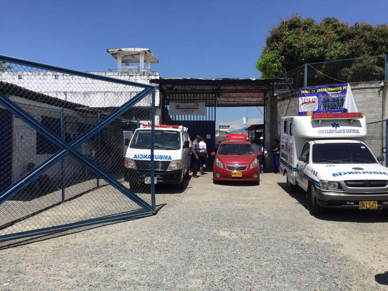 Reportan seis heridos por enfrentamientos en patio 4 de cárcel de Villahermosa