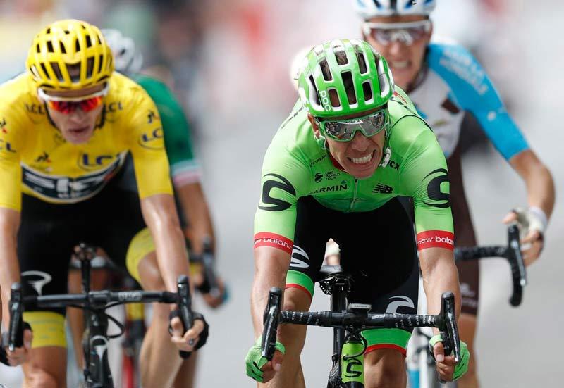 Aru arrebata liderato a Froome en etapa pirenaica ganada por Bardet
