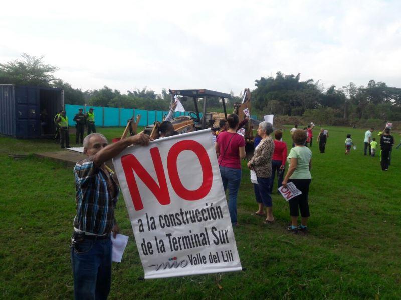Comunidad que rechaza terminal sur del Mío acudirá a ONG, tutelatón y acciones populares