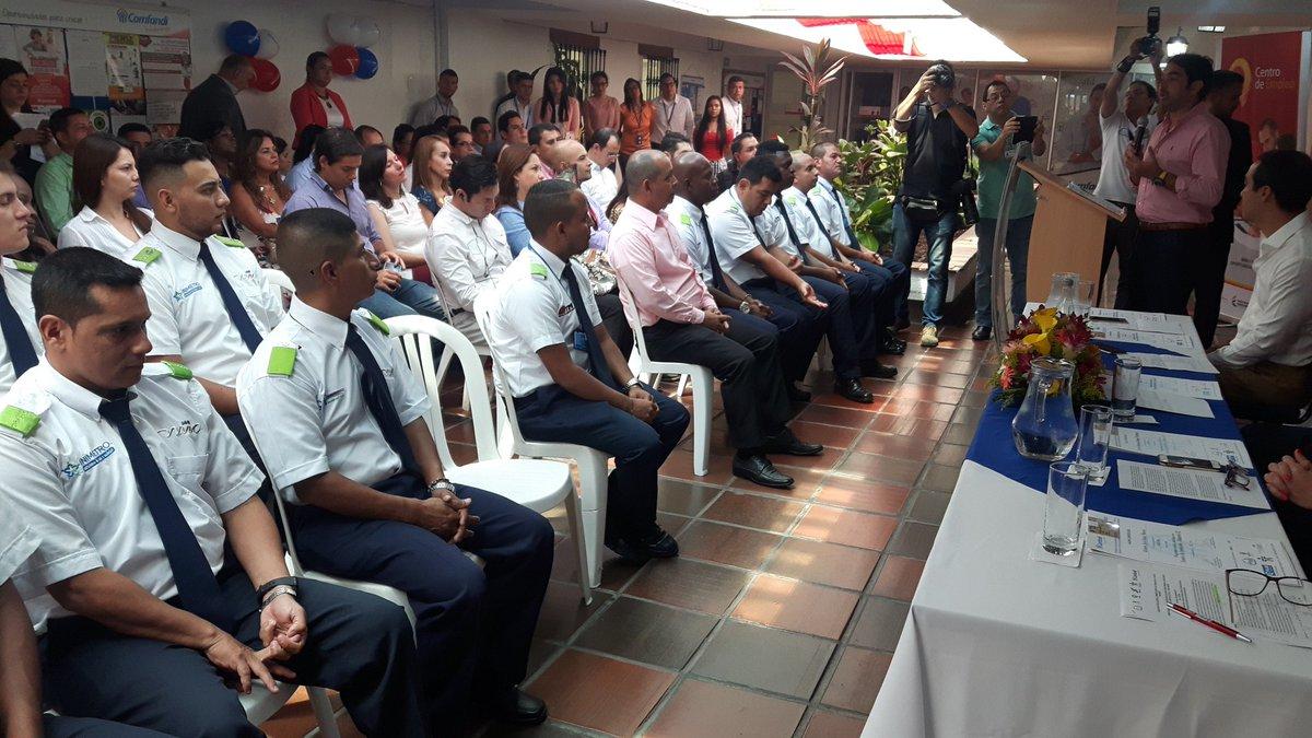 Se graduaron 18 operadores del primer semillero que provee vacantes para Metrocali